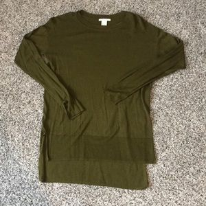 Olive green fine gauge sweater hi lo hem